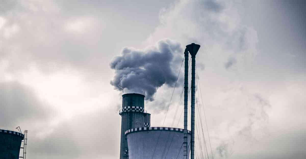 Zanieczyszczenie powietrza – przyczyny i skutki smogu