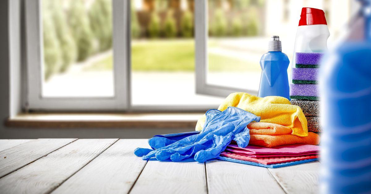 Jak myć podłogę z paneli? - 5 rad, które mogą Ci się przydać