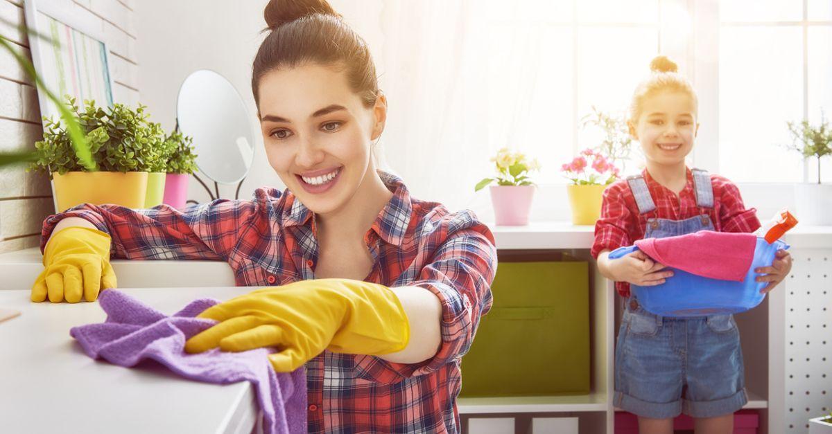 Jak zachęcić i nauczyć dziecko sprzątać po sobie